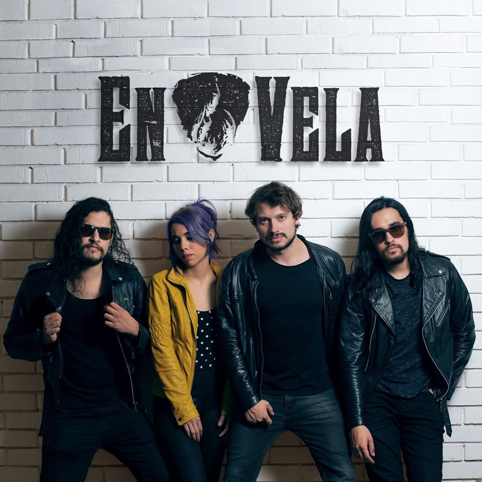 En Vela – «En Vivo» es su primer álbum digital