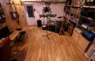 Estudios Tarántula – Concierto en Streaming con The Blue Stompers Jump Review