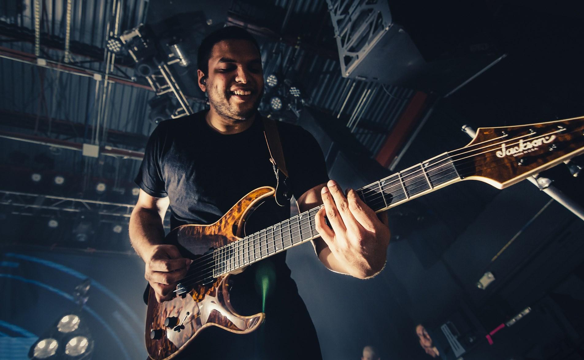 Análisis de Bulb, proyecto en solitario de Misha Mansoor, guitarrista de Periphery