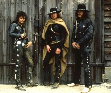 Motörhead presentan canción en directo inédita «SHOOT YOU IN THE BACK». Tema incluido en su próxima súper caja 40 Aniversario de «ACE OF SPADES»