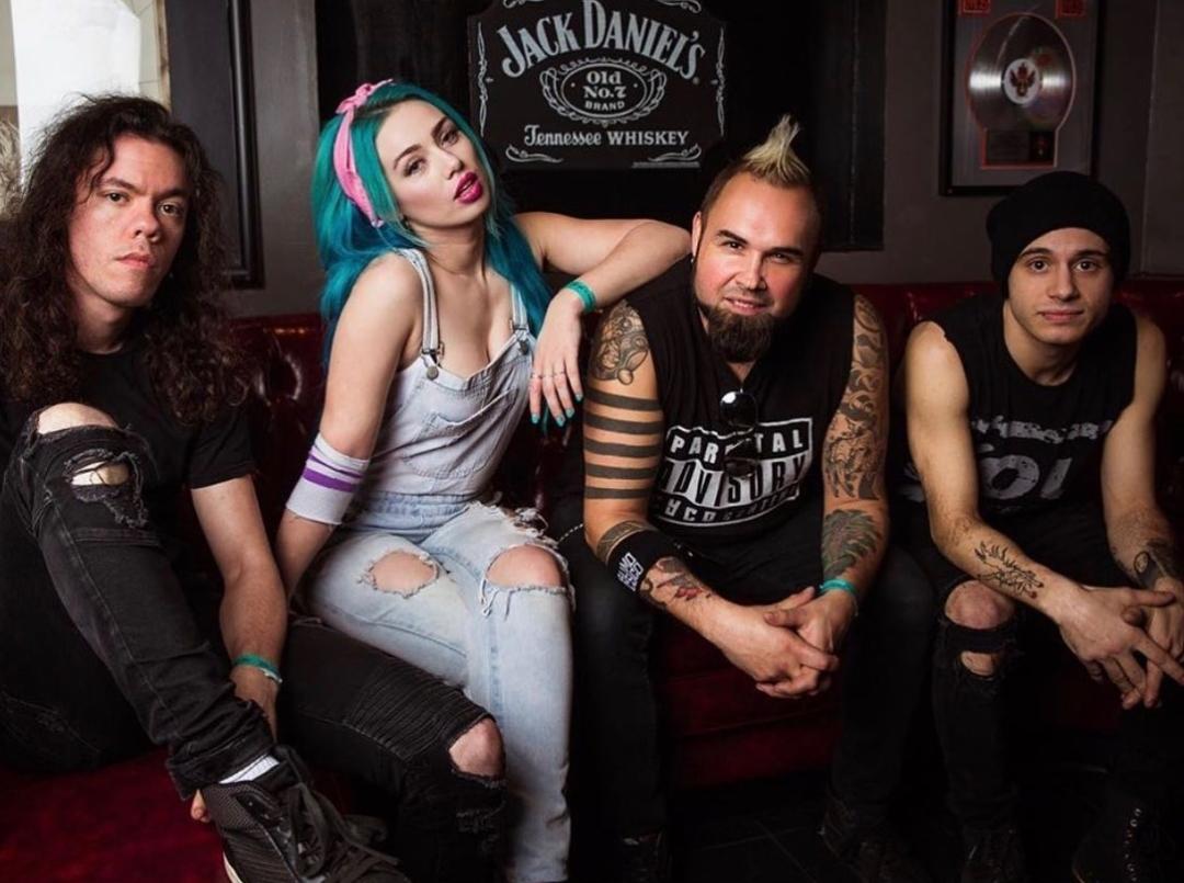 Sumo Cyco estrenan su explosivo nuevo single «Bystander»