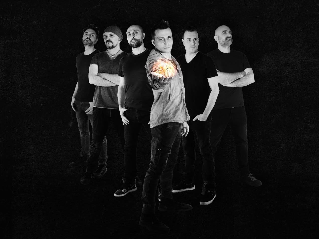 L' Alba Di Morrigan anuncia nuevo disco «I'm Gold, I'M God»