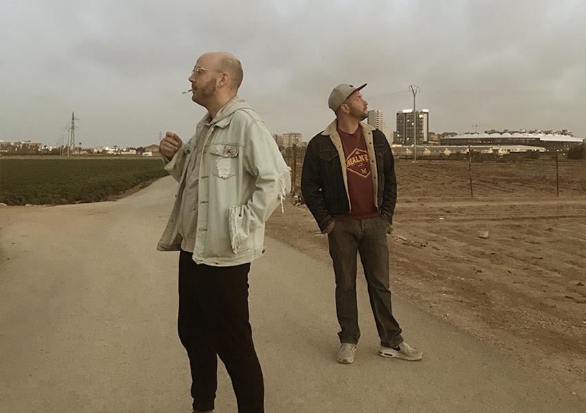 POETAS PUESTOS: Publican el álbum 'El Club' y estrenan el videoclip 'Al Carajo' junto a LOS CHIKOS DEL MAÍZ
